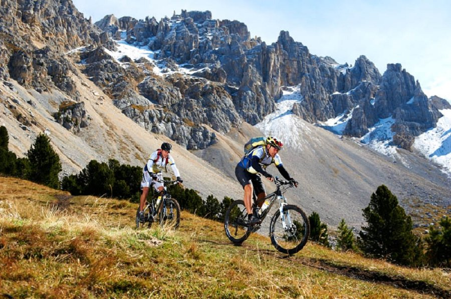 Gite impegnative in mountain bike nelle Dolomiti